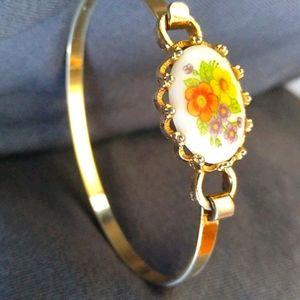 Avon Child Latch Bracelet